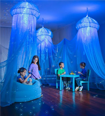 Aquaglow Jellyfish Hideaway