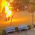 Vídeo impressionante flagra o exato momento em que 04 pessoas são atingidas por um raio debaixo de uma árvore