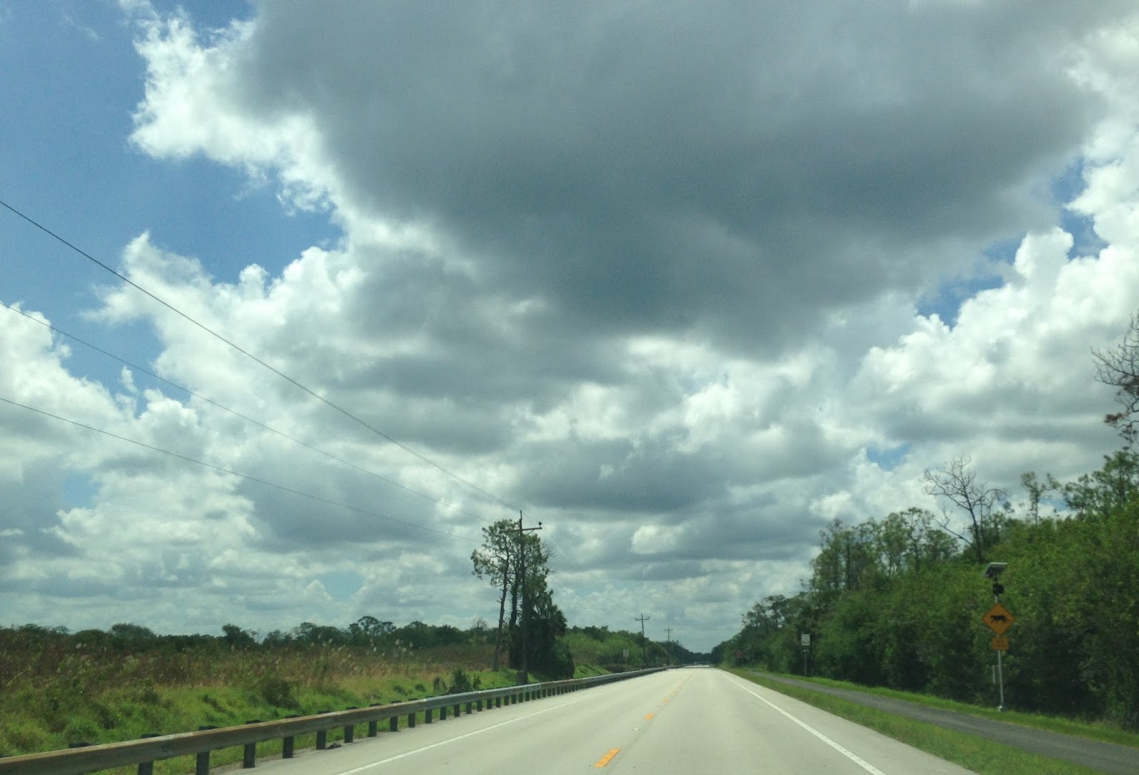 the tamiami trail junctions cr 92 on san marco road cr 92 backtracks southwest to marco island us 41
