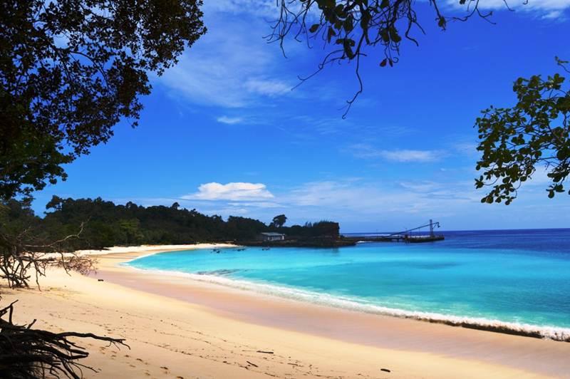 11 Wisata Pantai di Bengkulu yang Cantik dan Menarik Dikunjungi
