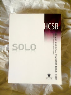 Holman Christian Standard Bible: Solo: An Uncommon Devotional
