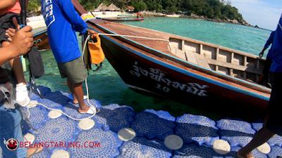 Bot Sampai Di Pantai Koh Lipe Thailand