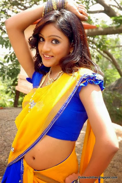 South Indian actress Keerthi HOT navel show images gallery