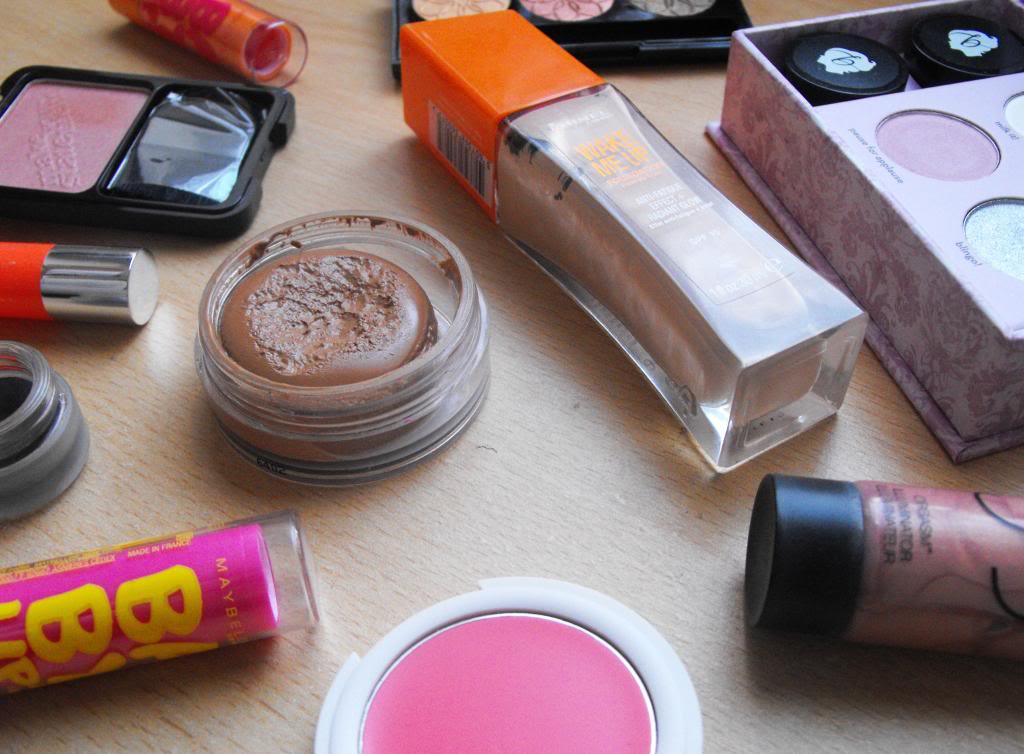 Make Up   Stepping Into Spring