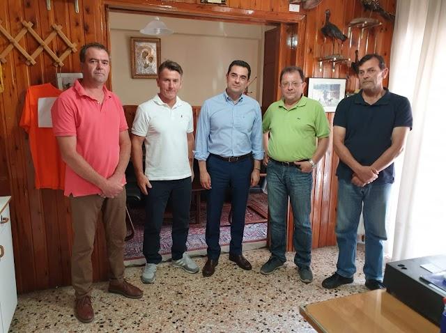 Ο υποψήφιος Βουλευτής κ. Κώστας Σκρέκας στον Κυνηγετικό Σύλλογο Τρικάλων