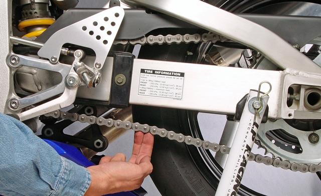 oli semprot untuk rantai motor