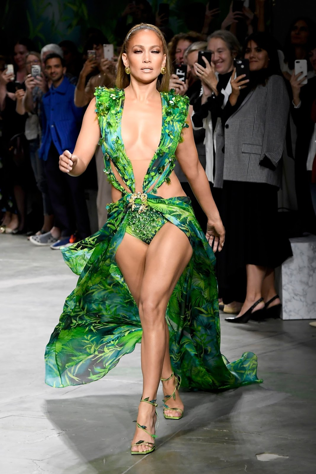 Jennifer Lopez - Versace Milan Fashion Week Runway