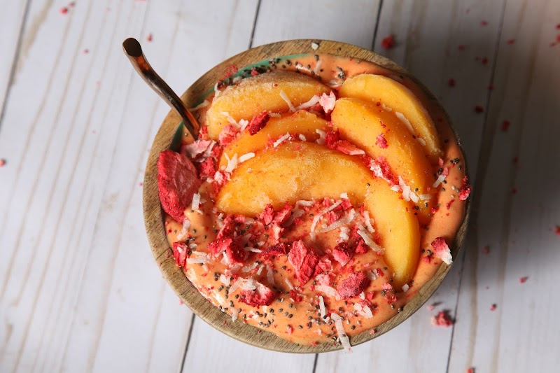 Peach-banana protein smoothie bowl