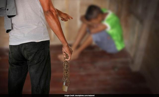 Come i documenti falsi intrappolano i bambini nella rete del traffico di esseri umani