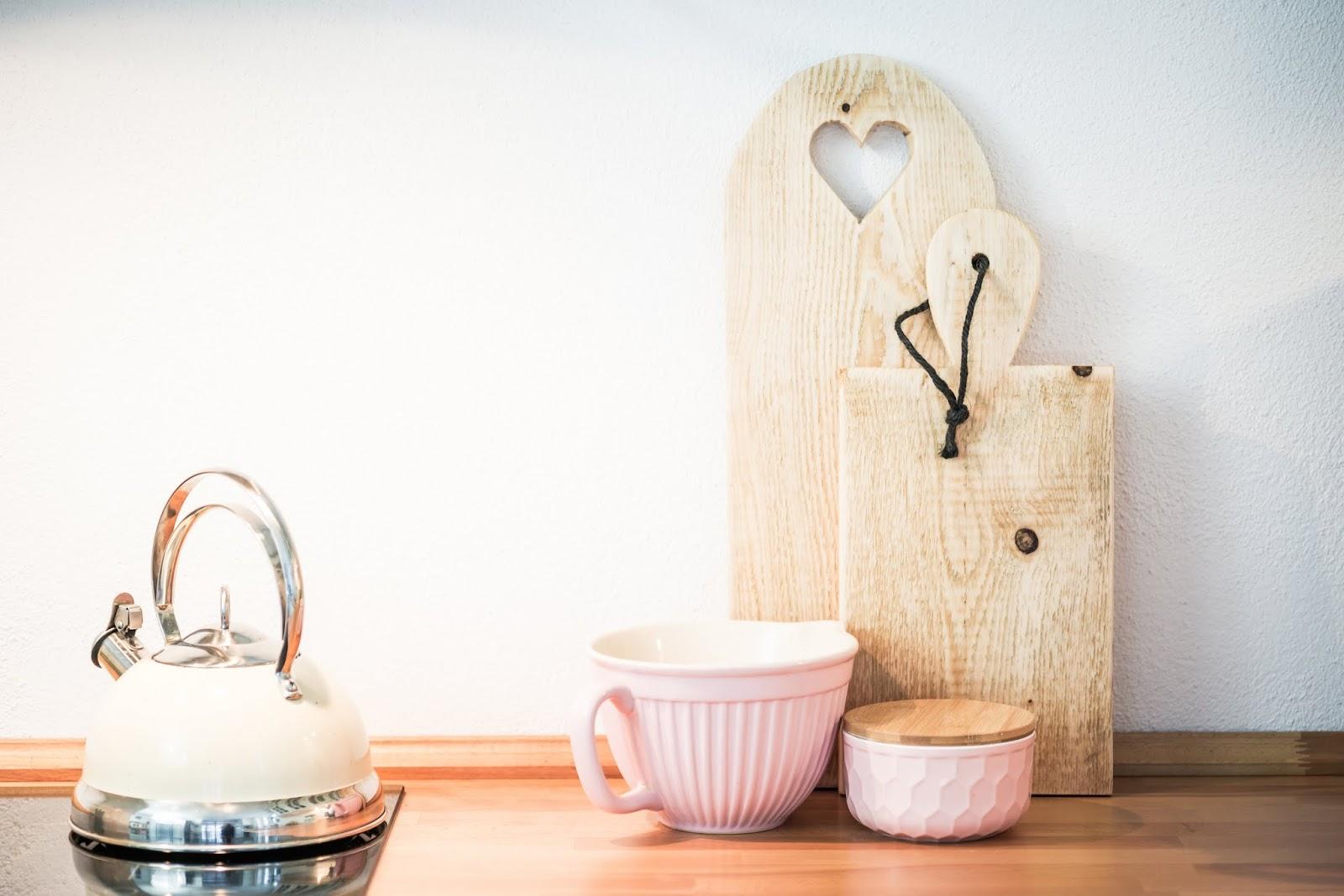 rums mit holzbrettchen pomponetti. Black Bedroom Furniture Sets. Home Design Ideas