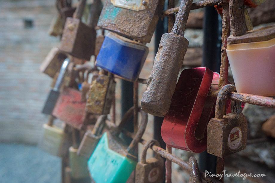 Love locks at Baluarte's gate