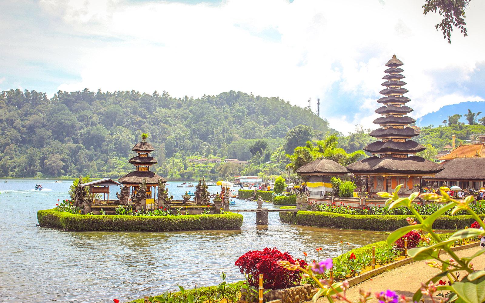 Ulun danu temple at beratan lake - Bali