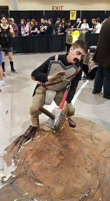"""""""Hey look, I lifted da hammer! It only took me, like, what, ten seconds. Eleven, tops."""""""