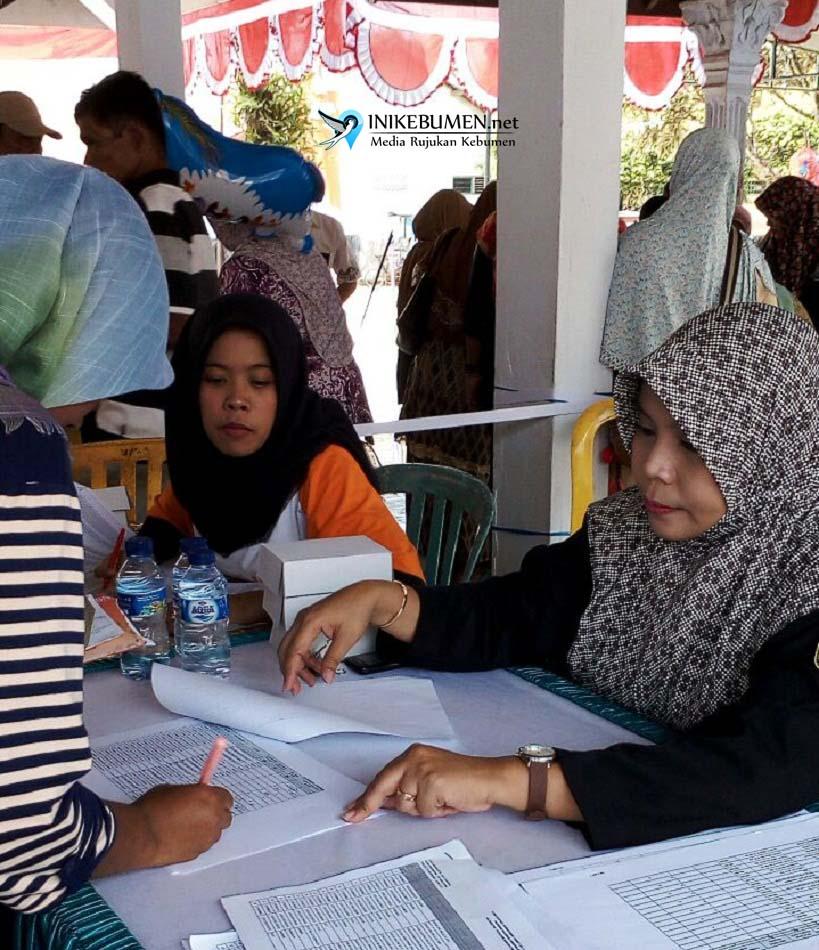 Ribuan Warga Pejagoan Cairkan Bantuan PKH Non Tunai