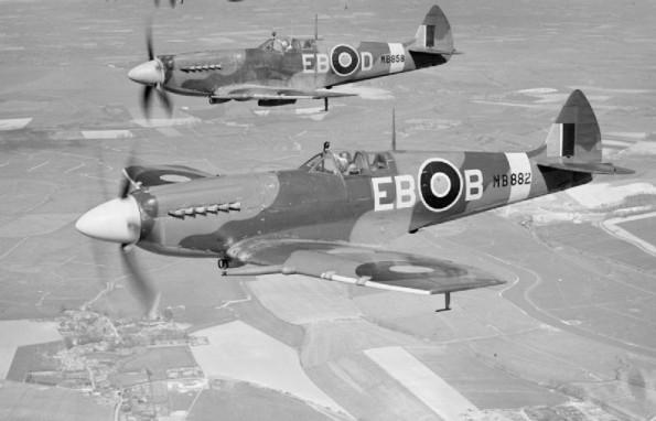 41-squadron-spitfires-595x382.jpg