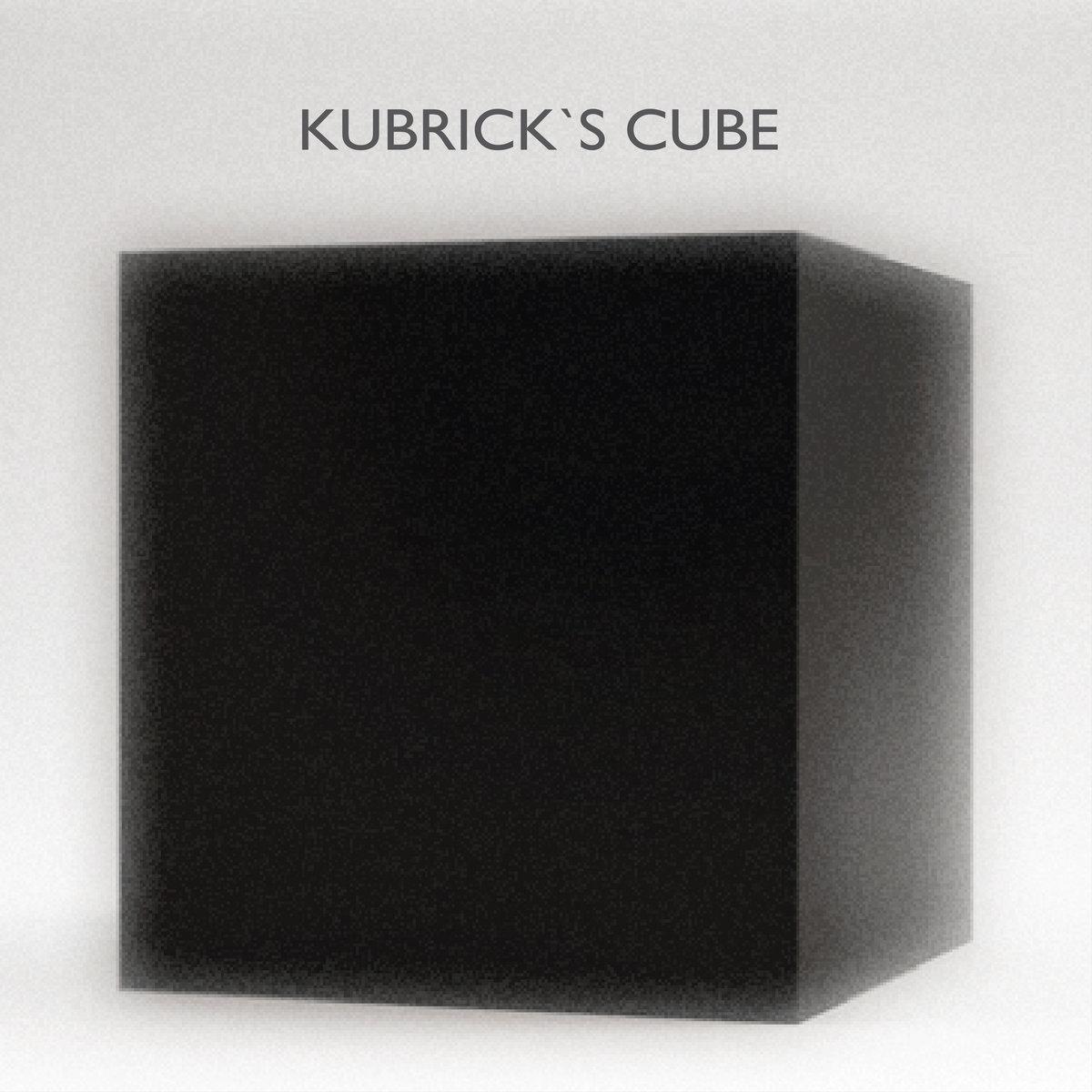 """Misfit Trauma Queen antecipa novo disco com """"Kubrick's Cube"""""""