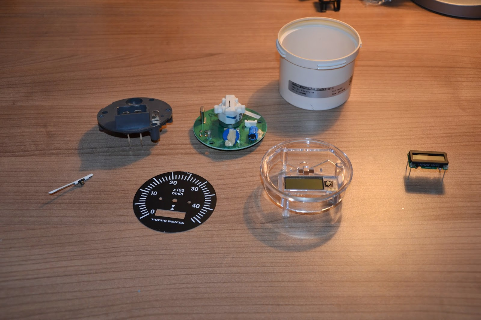 vdo tachometer with hour meter wiring diagram 2002 chevrolet impala radio we sail phobos 21 replace volvo penta lcd