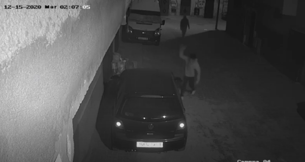 كاميرات المراقبة تفضح مخربي سيارات مواطنين بمراكش
