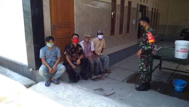 Jalin Silaturahmi  Babinsa Koramil Pedan Lakukan Anjangsana