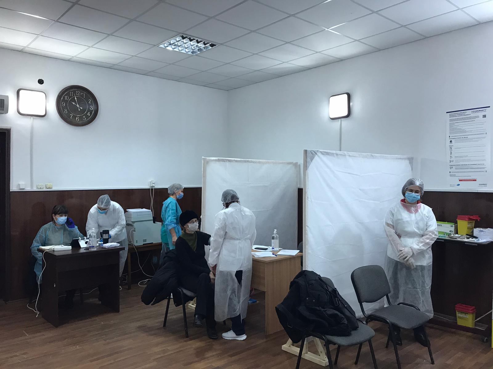 Astăzi a debutat etapa a II-a de vaccinare anti COVID-19 la Centrul de vaccinare aflat in cadrul Casei de Cultura din Calafat