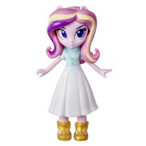 Official Images of Rarity Dress Up & Princess Cadance Crystal Festival Set Found