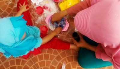 kegiatan untuk menstimulasi sensori dan motorik anak