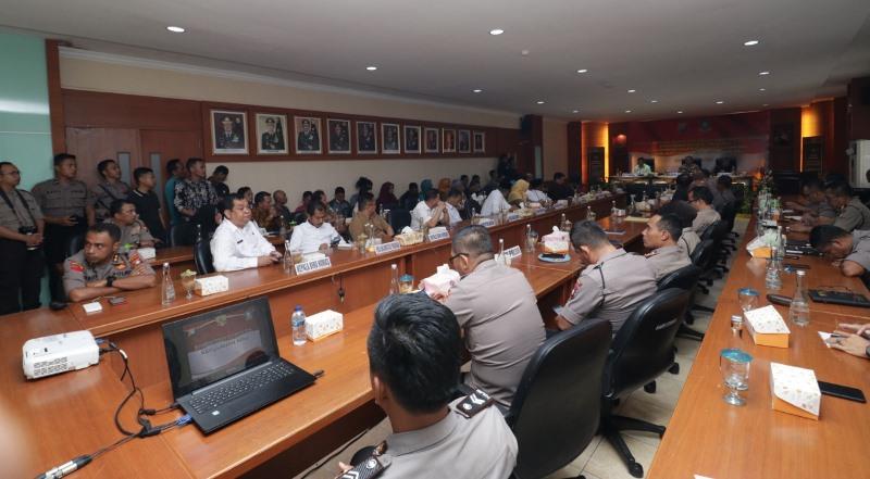 Penandatangan NPHD Pengamanan Pilkada antara Pemerintah Dengan Polda Kepri