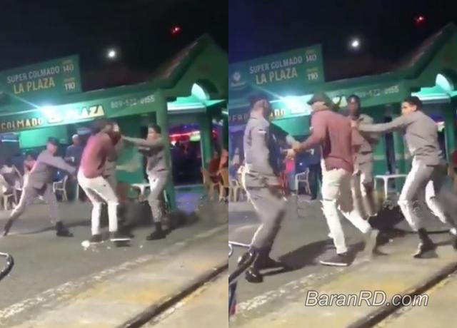 Detienen policías que agredieron a un joven en Baní