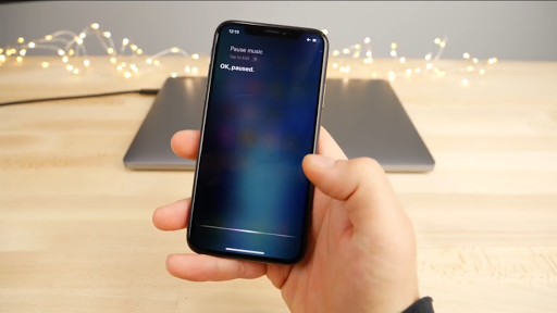 """Apple Enables Offline Siri Feature On iOS 11.2, Recognize Basic Voice Commands Like """"Play"""" Or """"Pause"""""""
