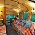 Un pequeño Bus retro para viajar al estilo Hippie.