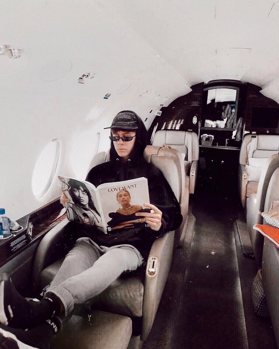 Jovem de 19 anos finge ser rico no Instagram