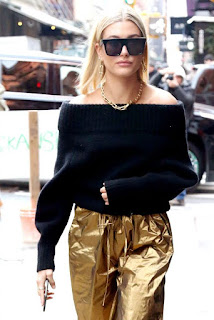 Hailey Baldwin Out Wearing Black Sunglass In New York