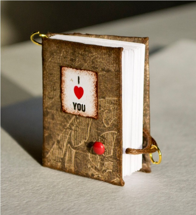Miniature-Valentines-notebook