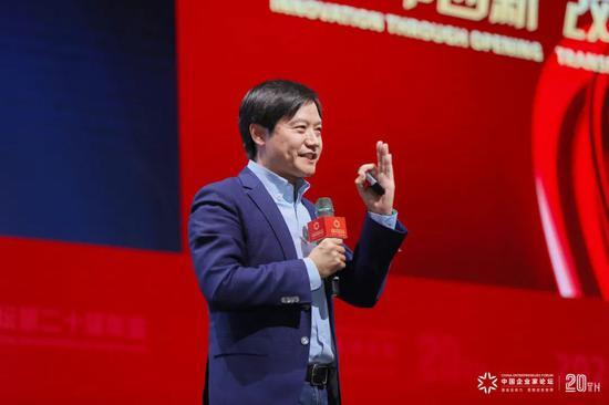 الرئيس التنفيذي لشاومي يوضّح ثلاثة مفاهيم خاطئة عن الشركة