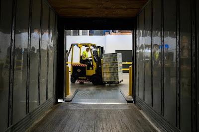 Forklift yang Cocok Untuk Usaha Anda