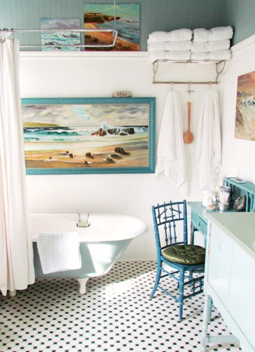 Blue Beach Vintage Bathroom Idea