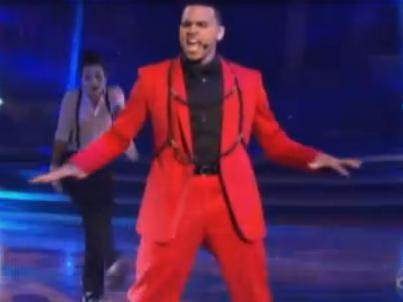 Chris Brown Performs on Dancing With The Stars VIDEO