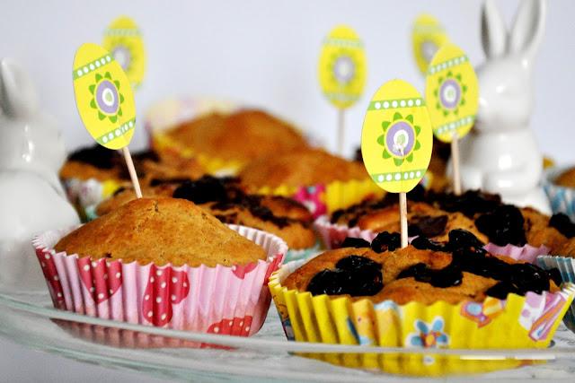 Muffinki z mąki owsianej z kawałkami czekolady i żurawiną