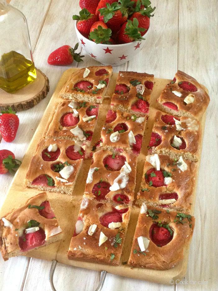 strawberry-focaccia, focaccia-de-fresas