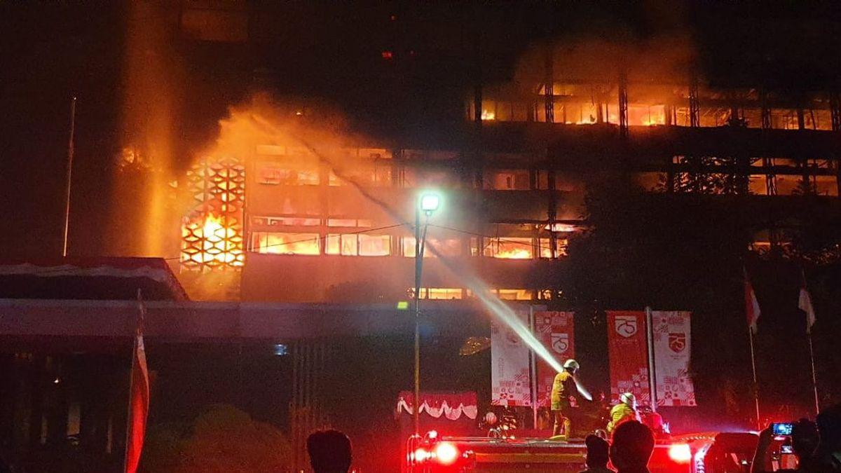 Polda Metro Jaya Selidiki Penyebab Kebakaran Gedung Kejaksaan Agung, Kira-Kira Kenapa Ya?