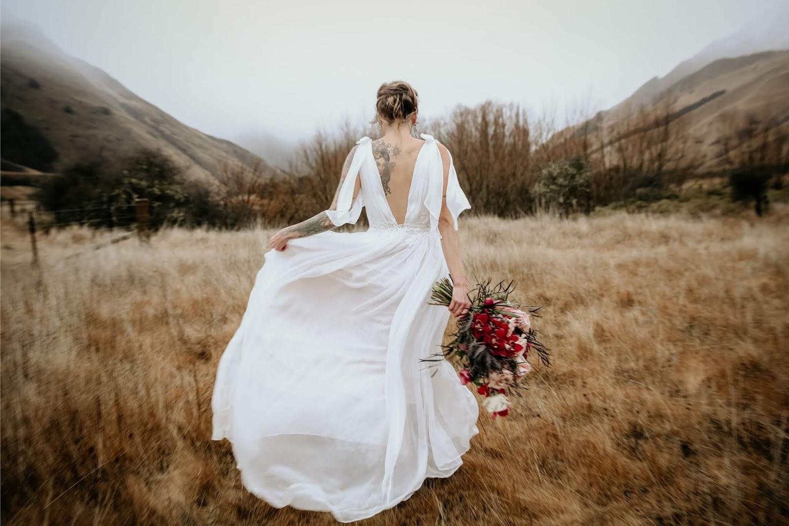 BRIDAL: BOHEMIAN GRECIAN WINTER LUSTRE EDITORIAL | JORDANNA REGAN COUTURE