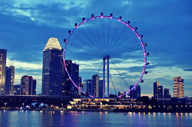 Co warto wiedzieć przed wyjazdem do Singapuru? Przeczytaj i nie daj się zaskoczyć. Zestaw praktycznych porad i informacji.