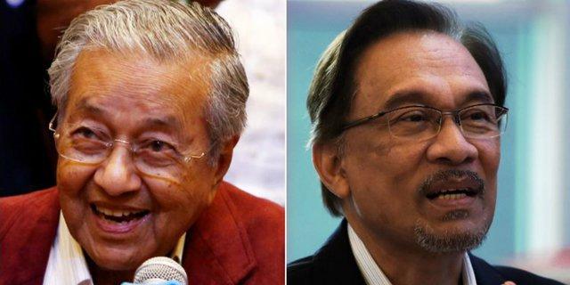 Mahathir Mohamad Akan Menyerahkan Kekuasaan Pada Anwar Ibrahim