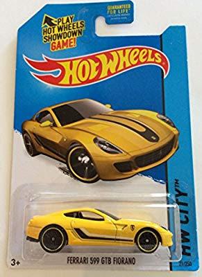 xe Hotwheels Ferrari 3