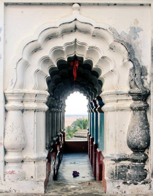 Inside architect of Nilamadhav Kantilo Temple