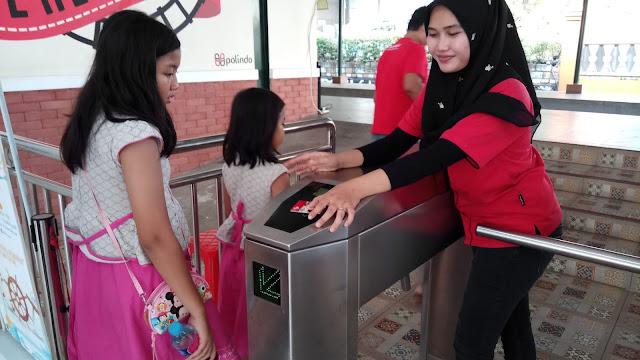 Naik Kereta Api Mini di TMII Sebagai Sarana Belajar dan Hiburan untuk Anak-Anak