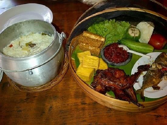 Resep Nasi Liwet Khas Sunda, Enaknya Bikin Nambah Terus