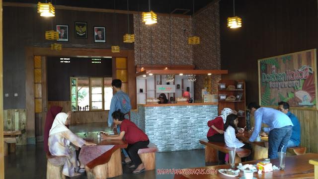 Cafe Doesoen Kakao Glenmore.