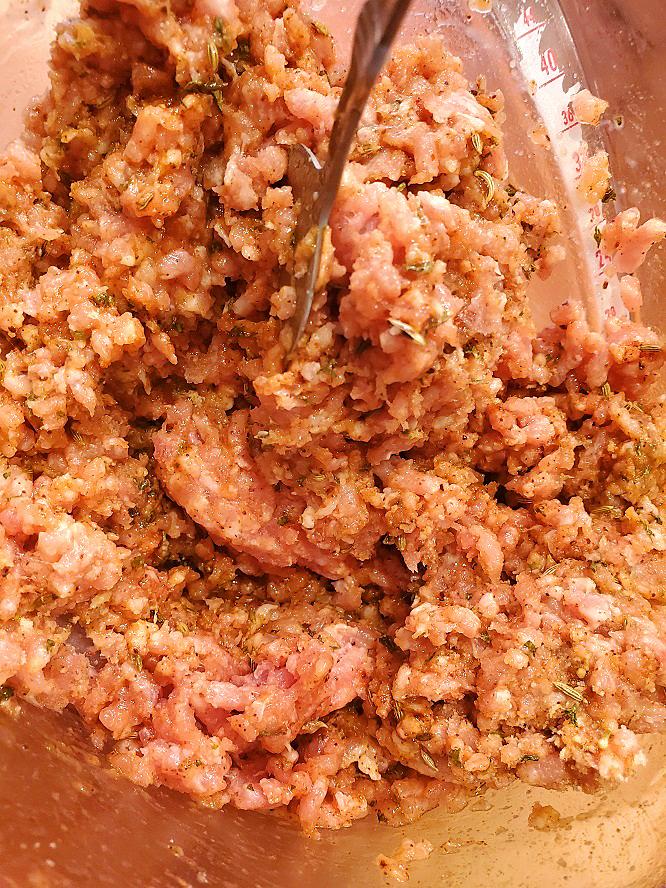 this is raw ground pork to make Italian sausage for homemade sausage patties