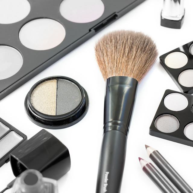 Bacteria growth in your makeup brushes by barbies beauty bits